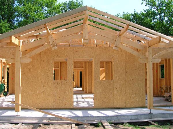 Mieux comprendre la charpente bois maison bois modulaire - Calcul d un hangar en charpente metallique ...