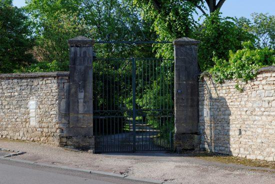 Quel portail choisir pour sécuriser une maison bois ?