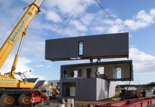 Le montage d'une maison modulaire en bois